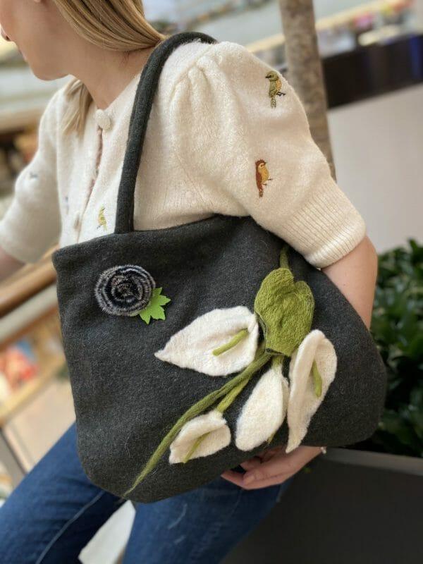 Keçe Gala Çiçeği Çanta